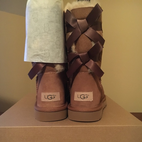 4be27b463a3 UGG BAILEY BOW II - SIZE 8 BRAND NEW IN BOX